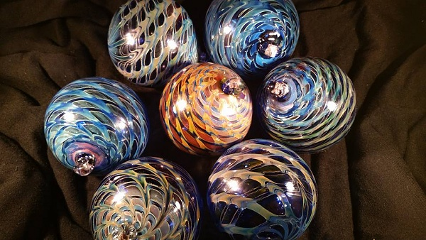 Click image for larger version.  Name:fumed ornaments.jpg Views:145 Size:95.0 KB ID:79664